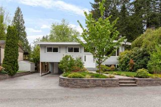 Photo 1: 3451 JERVIS Street in Port Coquitlam: Woodland Acres PQ House for sale : MLS®# R2573106