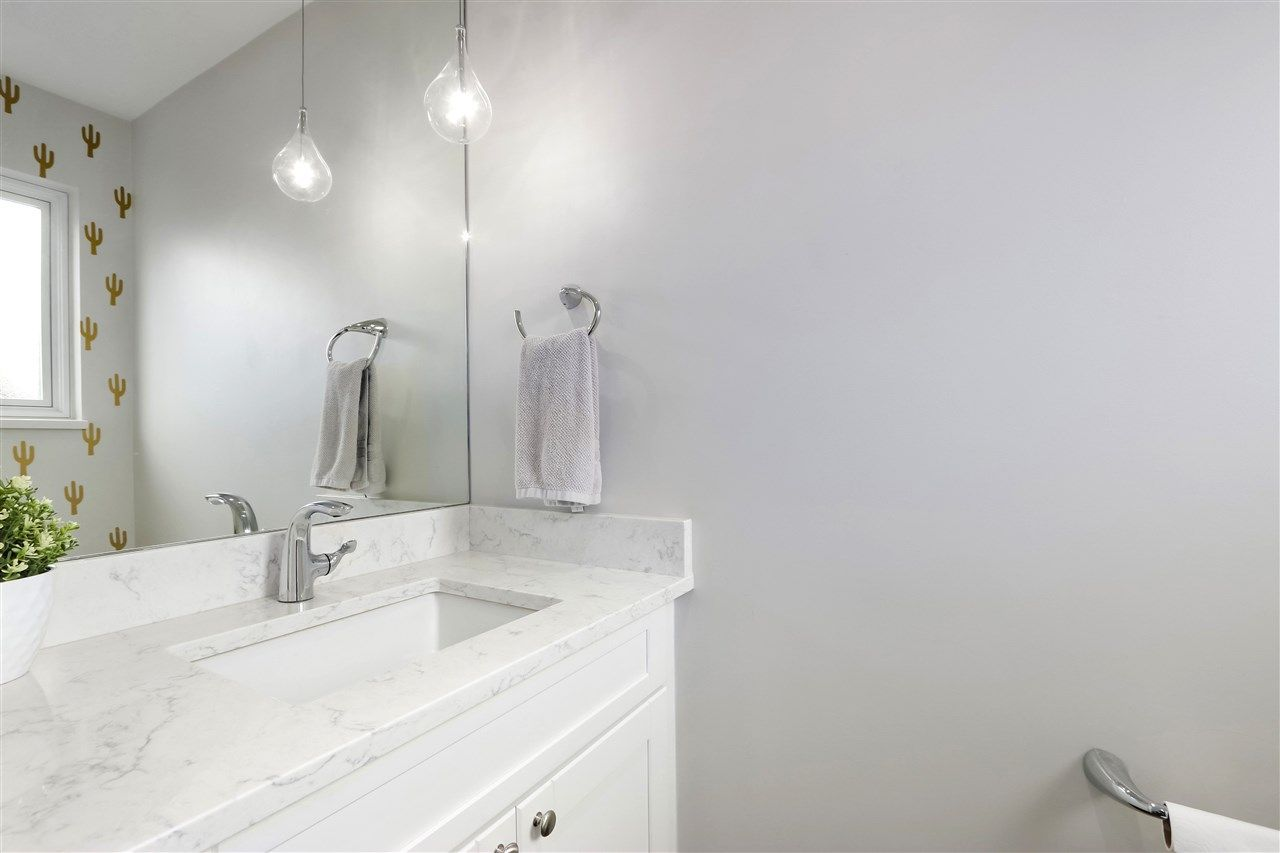 Photo 12: Photos: 154 W 12TH STREET in North Vancouver: Central Lonsdale Townhouse for sale : MLS®# R2487434