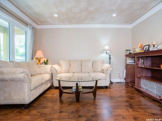 Photo 2: 923 K Avenue South in Saskatoon: King George Residential for sale : MLS®# SK701162