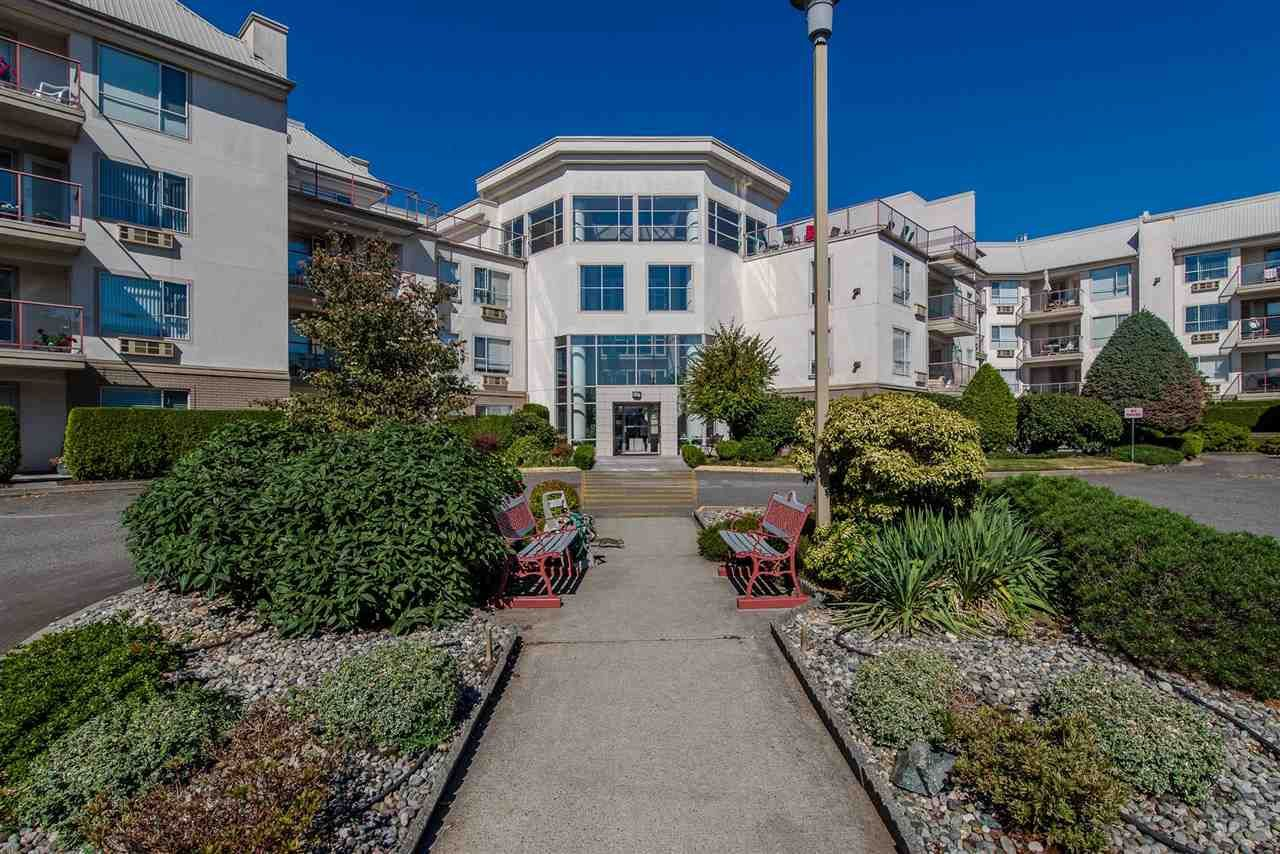 """Main Photo: 117 2626 COUNTESS Street in Abbotsford: Abbotsford West Condo for sale in """"The Wedgewood"""" : MLS®# R2218687"""