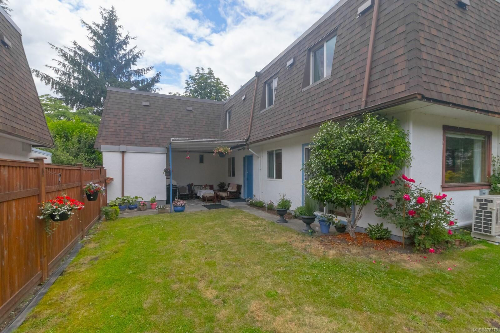 Main Photo: 26 3208 Gibbins Rd in : Du West Duncan Row/Townhouse for sale (Duncan)  : MLS®# 878378
