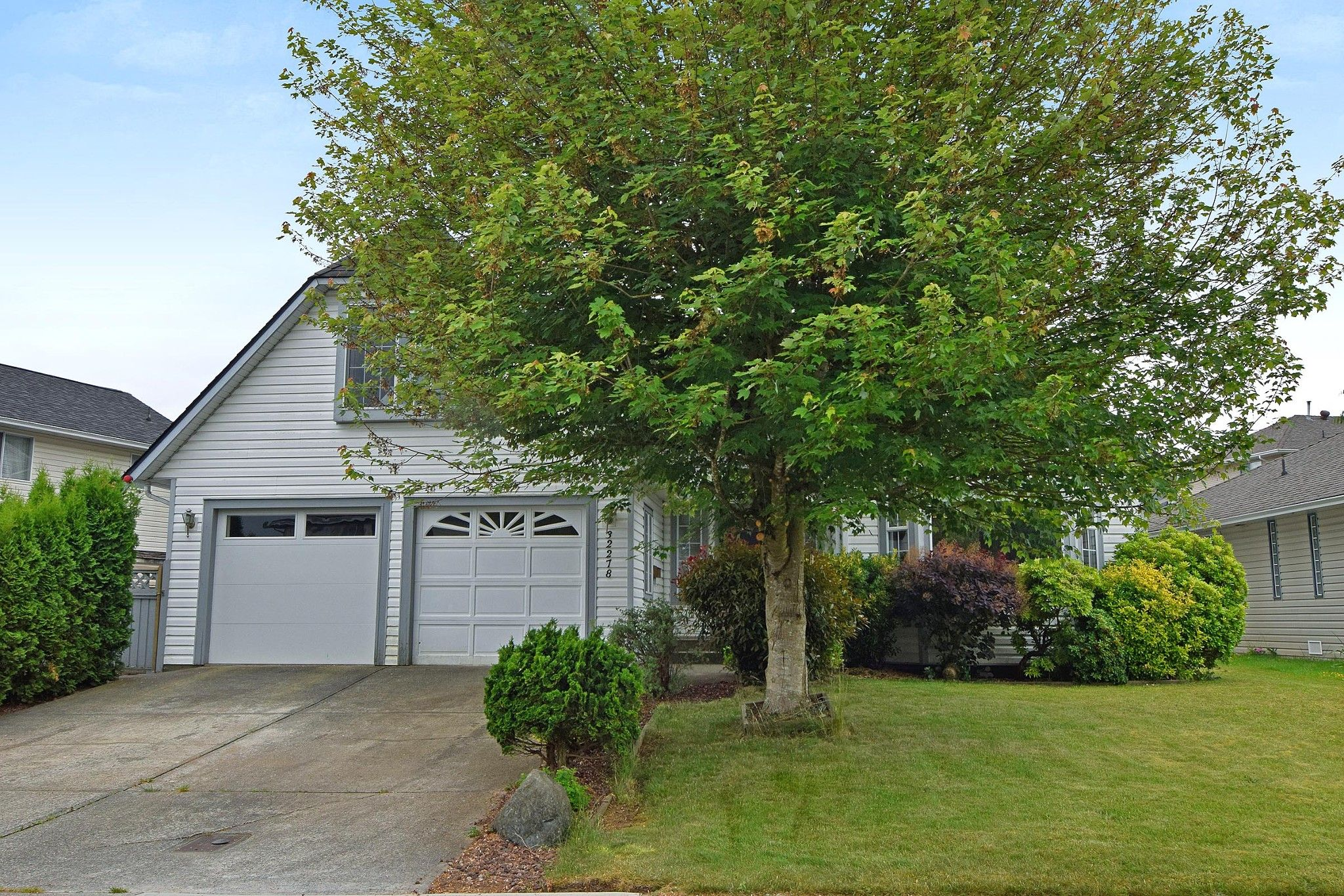 """Main Photo: 32278 ROGERS Avenue in Abbotsford: Abbotsford West House for sale in """"Fairfield Estates"""" : MLS®# R2275565"""