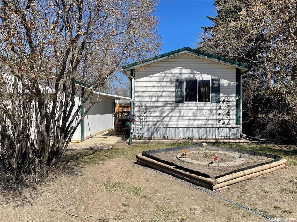 Main Photo: 45 Empress Avenue East in Qu'Appelle: Residential for sale : MLS®# SK844519
