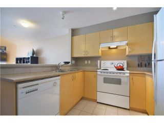 "Photo 4: 415 147 E 1ST Street in North Vancouver: Lower Lonsdale Condo for sale in ""CORONADO"" : MLS®# V974613"
