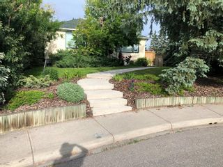 Main Photo: 1624 Summit Street SW in Calgary: Scarboro Detached for sale : MLS®# A1086291