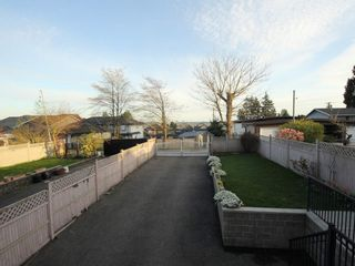 Photo 15: A 1042 CHARLAND Avenue in Coquitlam: Central Coquitlam 1/2 Duplex for sale : MLS®# R2257385