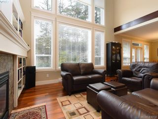 Photo 3: 2182 Stone Gate in VICTORIA: La Bear Mountain House for sale (Langford)  : MLS®# 808396
