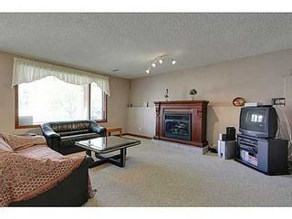 Photo 15: 20 EDGEBROOK Circle NW in Calgary: 2 Storey for sale : MLS®# C3569549