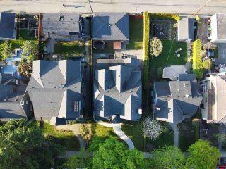 "Photo 4: 2335 W 14 Avenue in Vancouver: Kitsilano House for sale in ""Kitsilano"" (Vancouver West)  : MLS®# R2467981"