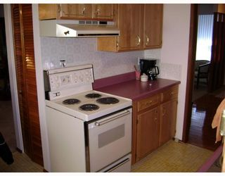 Photo 2: 286 SOUTHALL Drive in WINNIPEG: West Kildonan / Garden City Residential for sale (North West Winnipeg)  : MLS®# 2901391