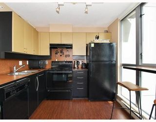 Photo 4: # 1401 1238 RICHARDS ST in Vancouver: Condo for sale : MLS®# V765439