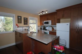"Photo 3: 176 JAMES Road in Port Moody: Port Moody Centre Townhouse for sale in ""Tall Trees Estate"" : MLS®# R2246456"