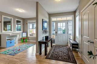 Photo 3: 30 Westfall Drive: Okotoks Detached for sale : MLS®# C4257686