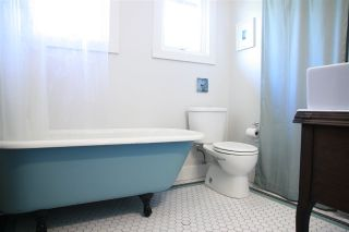 """Photo 13: 2236 E PENDER Street in Vancouver: Hastings House for sale in """"GRANDVIEW"""" (Vancouver East)  : MLS®# R2073977"""