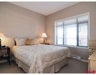 """Photo 8: 415 8880 202ND Street in Langley: Walnut Grove Condo for sale in """"THE RESIDENCES AT VILLAGE SQUARE"""" : MLS®# F2904901"""