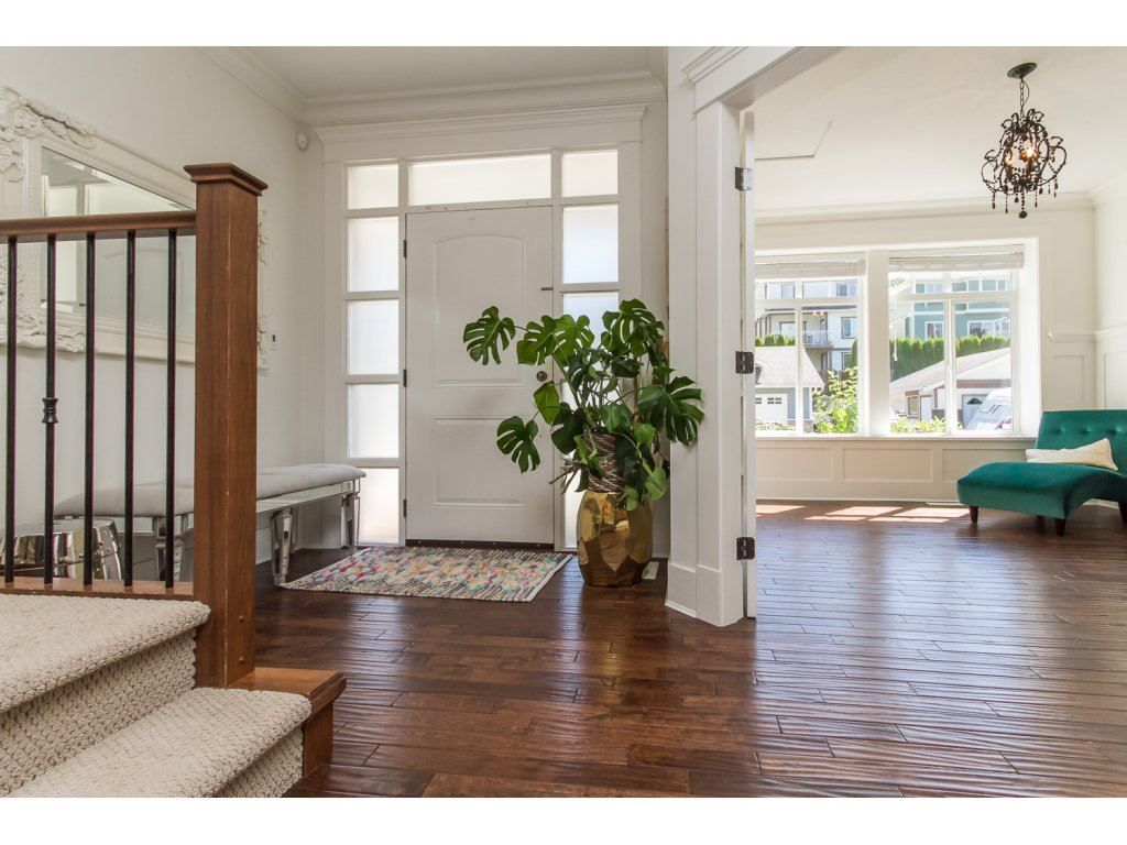 Photo 2: Photos: 4354 BLAUSON Boulevard in Abbotsford: Abbotsford East House for sale : MLS®# R2096025