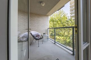 "Photo 14: TH103 1288 MARINASIDE Crescent in Vancouver: Yaletown Townhouse for sale in ""Crestmark"" (Vancouver West)  : MLS®# R2281597"
