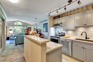 """Photo 4: 402 15991 THRIFT Avenue: White Rock Condo for sale in """"Arcadian"""" (South Surrey White Rock)  : MLS®# R2621325"""