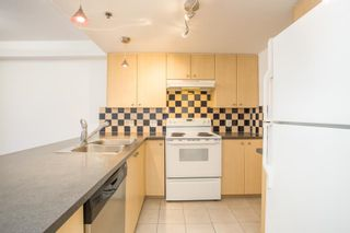 """Photo 4: 1311 819 HAMILTON Street in Vancouver: Downtown VW Condo for sale in """"819 Hamilton"""" (Vancouver West)  : MLS®# R2596186"""