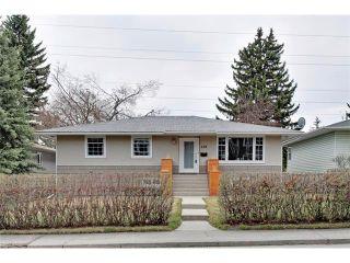 Photo 1: 419 49 Avenue SW in Calgary: Elboya House for sale : MLS®# C4008059