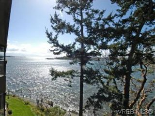 Photo 2: 409 630 Seaforth St in VICTORIA: VW Victoria West Condo for sale (Victoria West)  : MLS®# 533916