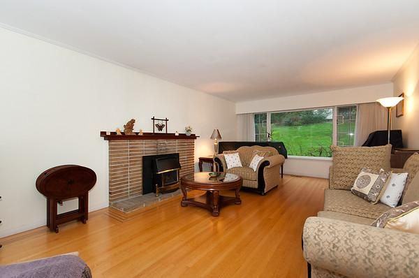 Photo 3: Photos: 115 BONNYMUIR Drive in West Vancouver: Glenmore House for sale : MLS®# V860701