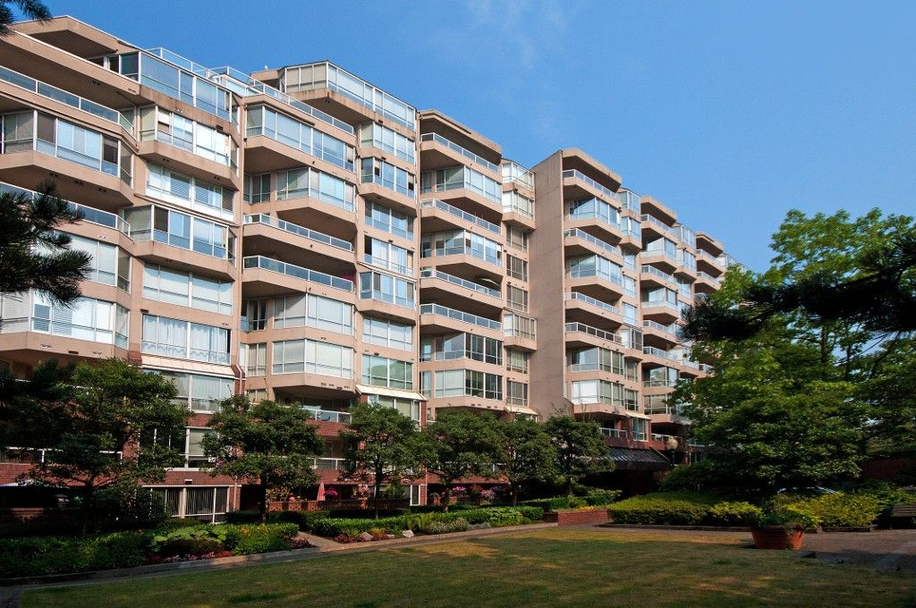 Main Photo: 302 518 Moberly Road in Vancouver: False Creek Condo for sale (Vancouver West)  : MLS®# V991007