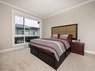 Photo 8: 25 16488 64 AVENUE in Surrey: Cloverdale BC Townhouse for sale (Cloverdale)  : MLS®# R2220408