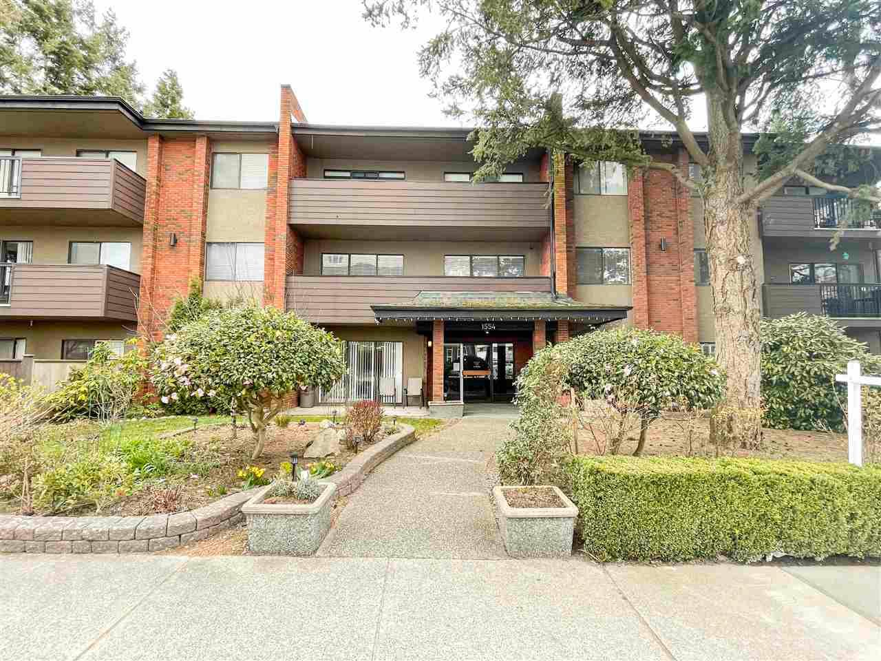 Main Photo: 304 1554 GEORGE Street: White Rock Condo for sale (South Surrey White Rock)  : MLS®# R2573966