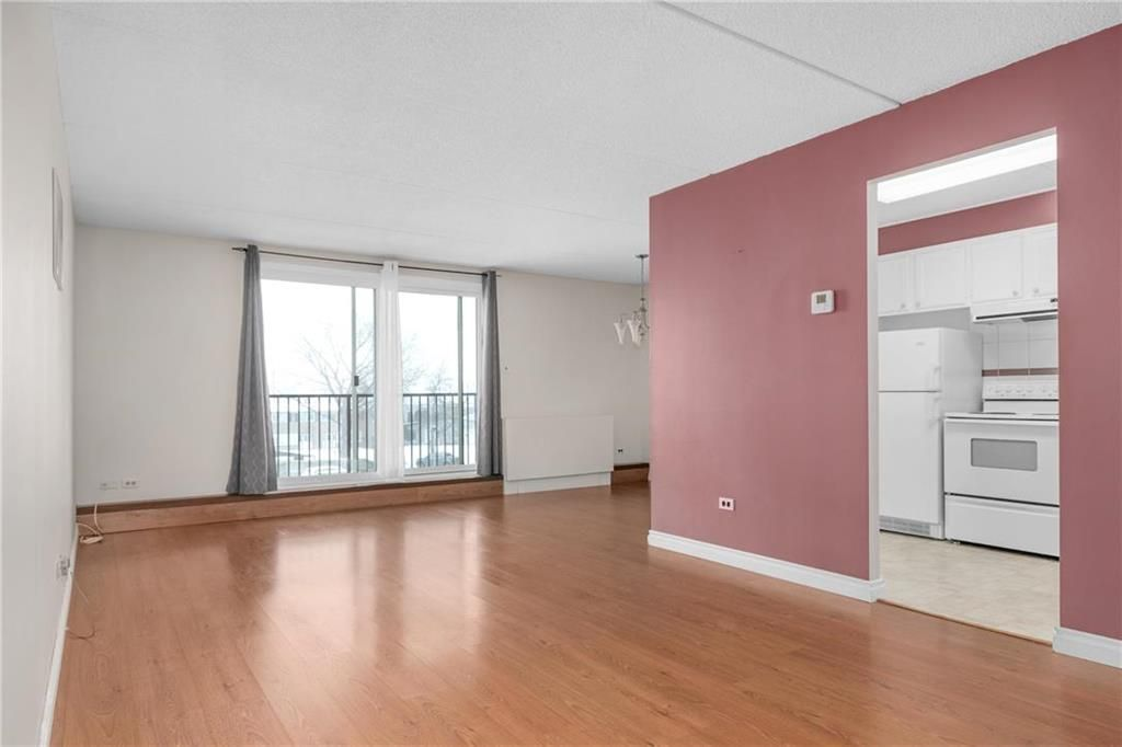 Photo 2: Photos: 309 1600 Taylor Avenue in Winnipeg: River Heights South Condominium for sale (1D)  : MLS®# 202101594