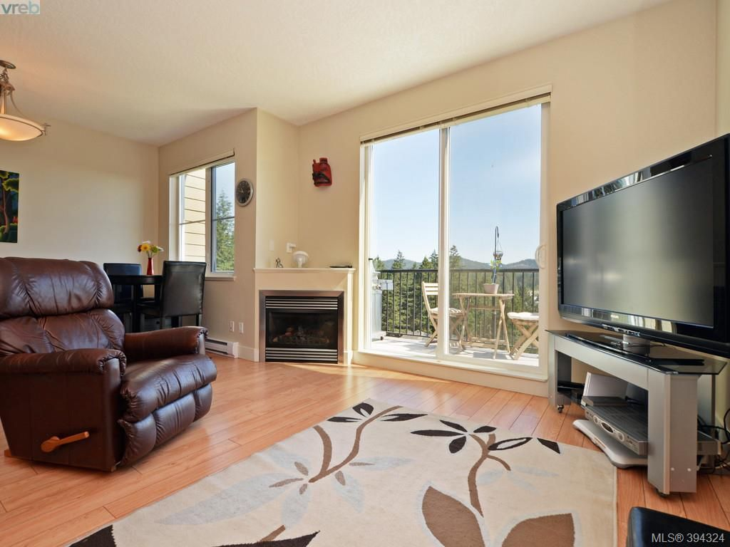 Main Photo: 2094 Greenhill Rise in VICTORIA: La Bear Mountain Row/Townhouse for sale (Langford)  : MLS®# 790545