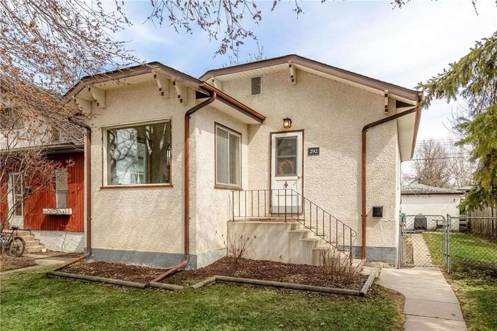 Main Photo: 292 Beaverbrook Street in Winnipeg: River Heights North Residential for sale (1C)  : MLS®# 202109631