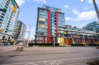 "Photo 2: 907 38 W 1ST Avenue in Vancouver: False Creek Condo for sale in ""The One"" (Vancouver West)  : MLS®# R2552477"