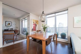 """Photo 3: 1703 1055 HOMER Street in Vancouver: Yaletown Condo for sale in """"DOMUS"""" (Vancouver West)  : MLS®# R2186785"""