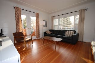 Photo 3: 5806 QUEBEC Street in Vancouver: Main House for sale (Vancouver East)  : MLS®# R2218037