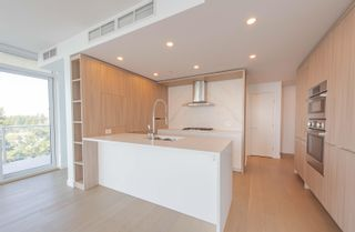 Photo 6: 908 15165 THRIFT Avenue in Surrey: White Rock Condo for sale (South Surrey White Rock)  : MLS®# R2612280