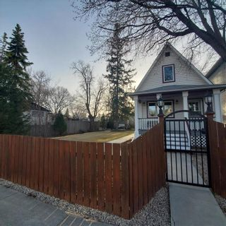 Photo 3: 366 Queen Street in Winnipeg: St James Residential for sale (5E)  : MLS®# 202107883