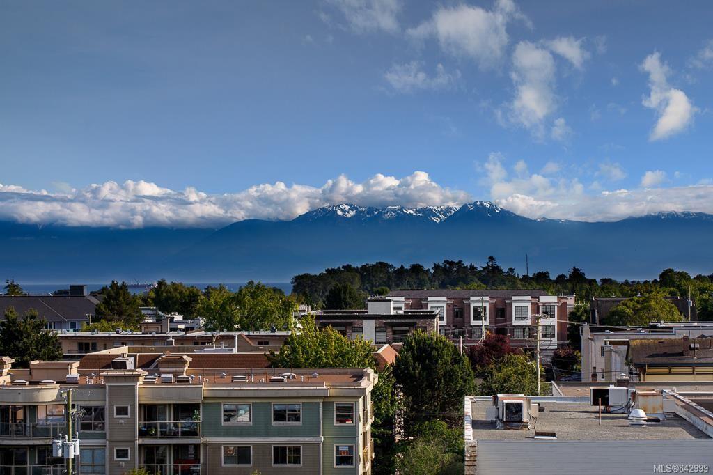 Main Photo: 720 1029 View St in Victoria: Vi Downtown Condo for sale : MLS®# 842999