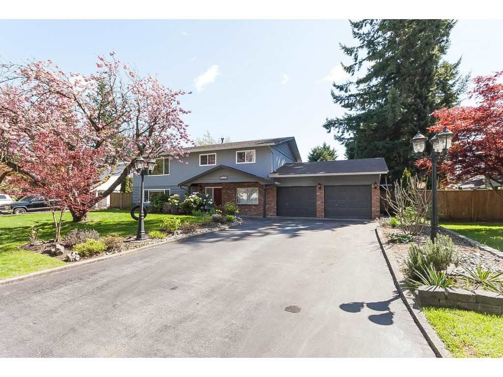 "Main Photo: 20940 45A Avenue in Langley: Langley City House for sale in ""uplands"" : MLS®# R2361549"