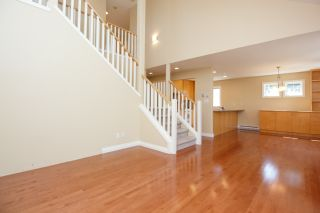 Photo 9: Master on Main in Detached Townhome in Sidney