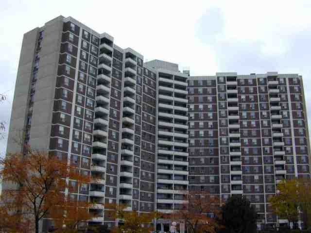 FEATURED LISTING: 7 - 20 Edgecliffe Golfway Toronto