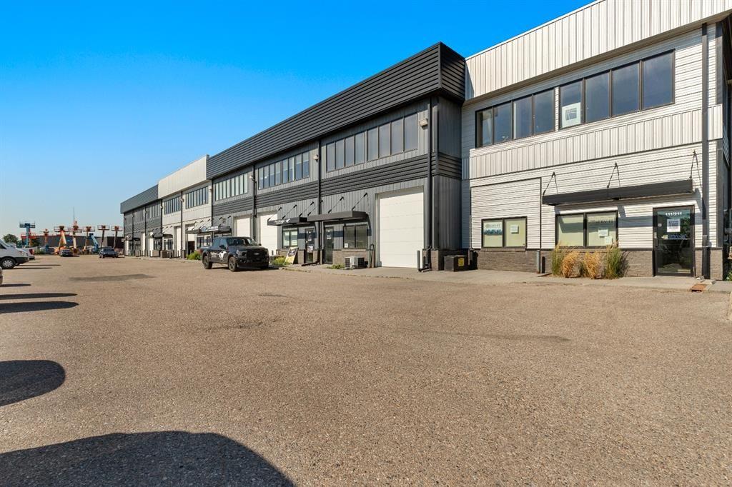 Main Photo: 211 2719 7 Avenue NE in Calgary: Meridian Industrial for sale : MLS®# A1118331