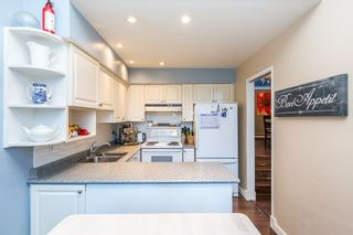"""Photo 6: 3428 WEYMOOR Place in Vancouver: Champlain Heights Townhouse for sale in """"MOORPARK"""" (Vancouver East)  : MLS®# R2116111"""