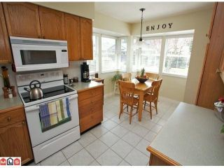 """Photo 4: 113 14280 19A Avenue in Surrey: Sunnyside Park Surrey Townhouse for sale in """"Tiffany Lane"""" (South Surrey White Rock)  : MLS®# F1111117"""