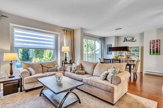 """Photo 13: 3316 ROSEMARY HEIGHTS Crescent in Surrey: Morgan Creek House for sale in """"Rosemary Village"""" (South Surrey White Rock)  : MLS®# R2544644"""