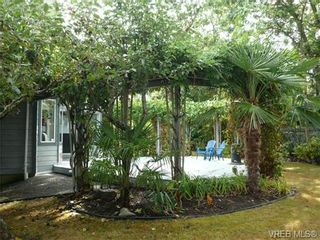 Photo 19: 885 Maltwood Terr in VICTORIA: SE Broadmead House for sale (Saanich East)  : MLS®# 711299
