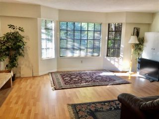Photo 2: 7500 WATERTON Drive in Richmond: Broadmoor House for sale : MLS®# R2476265