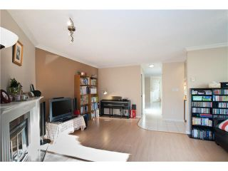 """Photo 3: 17 7171 BLUNDELL Road in Richmond: Brighouse South Townhouse for sale in """"PARC MERLIN"""" : MLS®# V922294"""