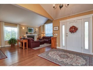"""Photo 3: 1424 BISHOP Road: White Rock House for sale in """"WHITE ROCK"""" (South Surrey White Rock)  : MLS®# R2540796"""