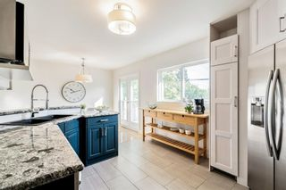 Photo 12: 143 Capri Avenue NW in Calgary: Charleswood Detached for sale : MLS®# A1143044